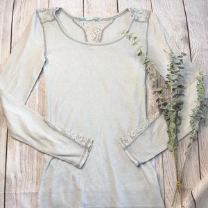 🎉5/$25🎉 Maurice's waffle knit lace trim top